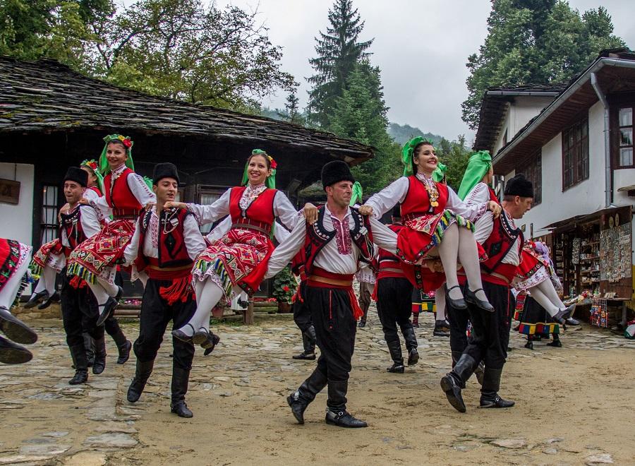 """На 6 септември АИР """"Боженци"""" ще поздрави всички гости с концерт на ФА """"Сивек"""""""